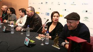 Los premiados, en rueda de prensa tras conocer el veredicto.   Foto: A.Dominguez/J.Correa