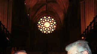 Con el maestro organista José Enrique Ayarra, en la Catedral de Sevilla./ Juan Carlos Vázquez