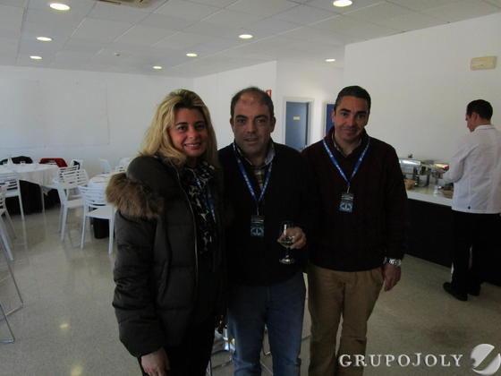 Inmaculada Malvido, Lorenzo Amor y Daniel Martín Mendoza quisieron presenciar el primer día de entrenamientos en el Circuito de Jerez.  Foto: Ignacio Casas de Cirio