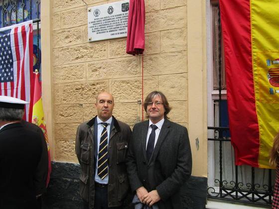 Ignacio Becerra y Fernando Castro, durante el acto de inauguración.