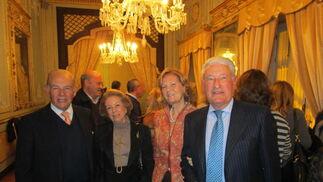 Marqueses de las Palmas y condes de Montegil, tras la presentación del libro en el Casino Gaditano.