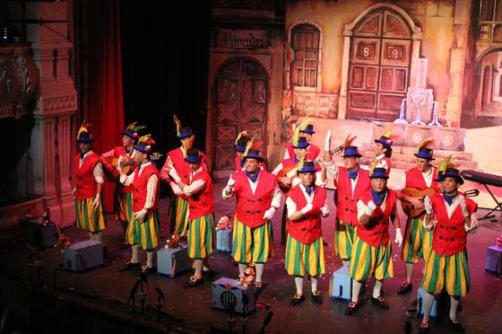 La Caja de las Melodías (comparsa de Trigueros)  Foto: Canterla