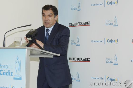 Lorenzo del Río, presidente del TSJA, ayer en el Foro de Cádiz. / Joaquín Hernández 'Kiki'