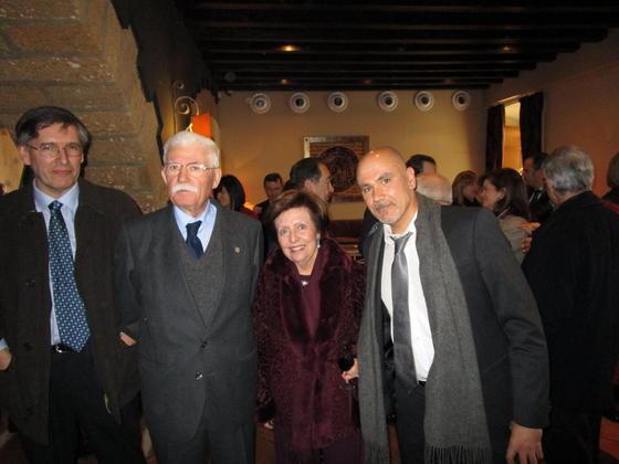 Rafael López, la homenajeada Margarita Álvarez-Ossorio, José Rabadán y Javier Gracia, durante el almuerzo, en el Baluarte de Los Mártires.