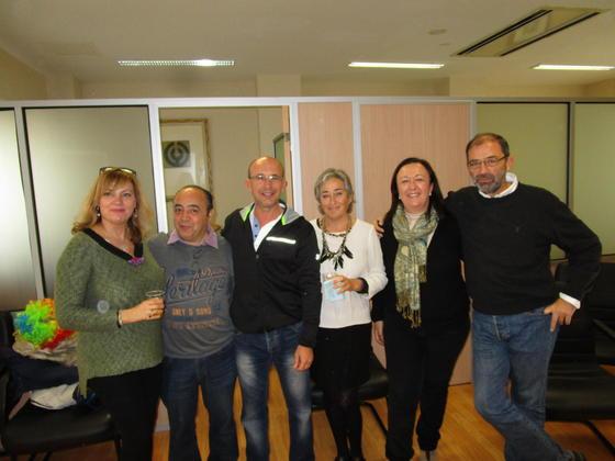 Montse Márquez, el fotógrafo Kiki, Paulino Campo, Carmen Morillo, Mercedes Crespo y  Fernando Santiago durante la jornada carnavalesca.