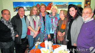 Pablo Chaves, Juan Antonio Guerrero, Paloma Bordons, Lola Palomino, la alcaldesa de Cádiz Teófila Martínez, Encarna Suero, Carmen Sánchez y Pepe Macías.