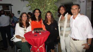 Tere Alva, Rosario Joly Paomino y María Jesús Joly Martínez de Salazar, Pilar Alva y Rafael del Cuvillo.  Foto: Ignacio Casas de Ciria