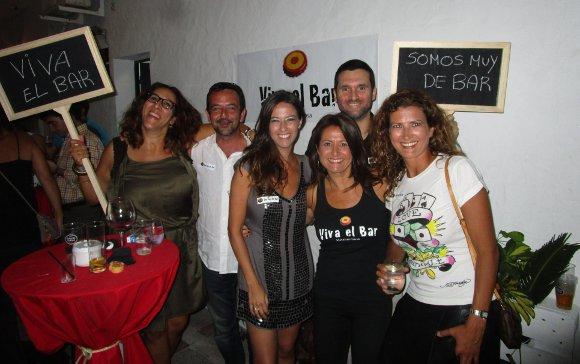 Elena Carmona, Sebastián Ruiz, Marina Romero, Almudena del Campo, José Antonio González y Laura Garófano.  Foto: Ignacio Casas de Ciria