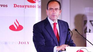 Alberto Delgado, director territorial en Andalucía del Santander, transmitió mensajes claros y concisos.   Foto: Pascual