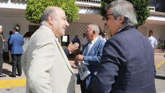 Cristóbal Cantos, secretario general en Cádiz de Asaja, junto al director general de Williams & Humbert, Jesús Medina.  Foto: Pascual