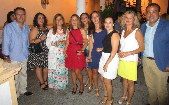 Rafael Navas, Tamara García, Isa Lora, Pilar Hernández, Virgina León, Amaya Lanceta, Alicia Ruiz, Inma Malvido y David Fernández.  Foto: Ignacio Casas de Ciria