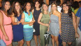 Carmen Mas, Virginia León, Pilar Hernández, María José Benítez, Gloria Columé, Beatriz Estévez y Maribel Gutiérrez.  Foto: Ignacio Casas de Ciria