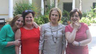Caty Fernández, Nieves Gómez, Carmen González y María José  Barbosa, coincidieron en el almuerzo.  Foto: Ignacio Casas de Ciria