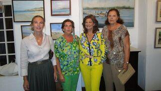 Ángela Gracián, María José Osborne, Belén García de Lago y María Solís, coinicidieron en la inauguración.  Foto: Ignacio Casas de Ciria