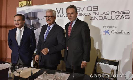 Rafael Herrador, Manuel Jiménez Barrios y José Joly.  Foto: JUAN CARLOS VAZQUEZ / VICTORIA HIDALGO