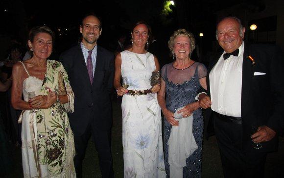 Piluca López de Carrizosa, Felipe y Constanza González-Gordon, Inmaculada Terry y Álvaro Domecq.  Foto: Ignacio Casas de Ciria