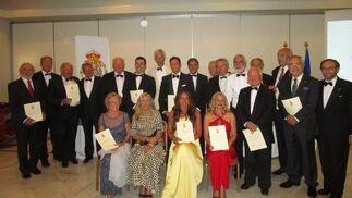 El grupo de miembros, que recibieron el acta como académicos correpondientes y académicos de honor, de la Academia de la Diplomacia del Reino de España.  Foto: Ignacio Casas de Ciria