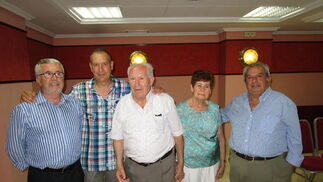 Claudio Garrido , Antonio García, el homenajeado Giordano García Ibáñez, Carmen Peralta y Rafael Fernández.  Foto: Ignacio Casas de Ciria