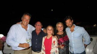 Ricardo Galache, Víctor Arnedillo con su hija María, Mila Ortiz Miranda y Pablo Ferragut.  Foto: Ignacio Casas de Ciria
