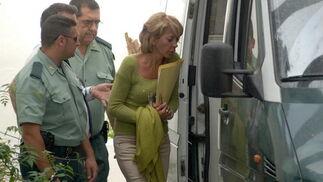 30-03-2006: Detención de Isabel García Marcos  La entonces primera teniente de alcalde de Marbella, mientras era conducida por la Policía al juzgado instructor número 5 del municipio, donde prestó declaración.