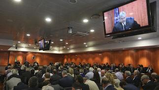 04-10-2013: Lectura pública del fallo de la Audiencia de Málaga  Los acusados escuchaban atentos la sentencia. muchos llegaron acompañados de amigos y familiares antes de las 11:00, hora a la que habían sido citados.