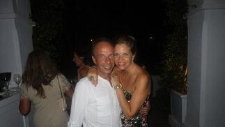 La DJ Lola Zapata con su hermano Fernando Zapata.  Foto: Ignacio Casas de Ciria
