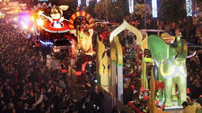 Carrozas De Reyes Magos Fotos.Dias De Magia E Ilusion
