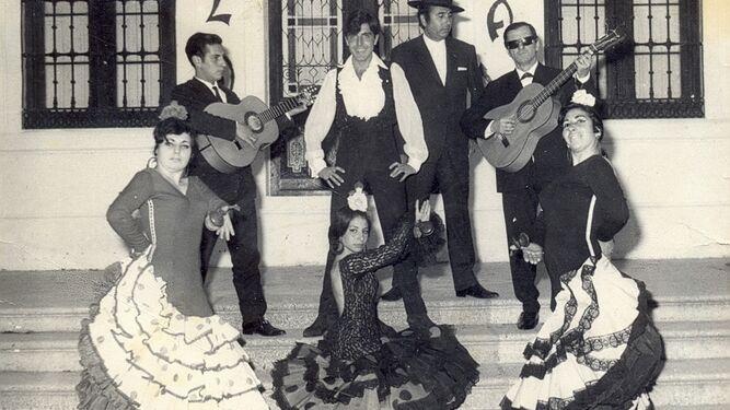 El cuadro flamenco de Gloria Vargas, en una imagen de los años 60.