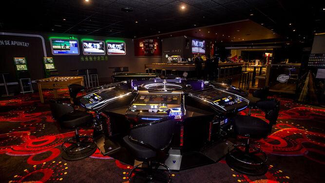 Ruleta en la zona central del área de juegos de azar, en uno de los locales de la empresa.