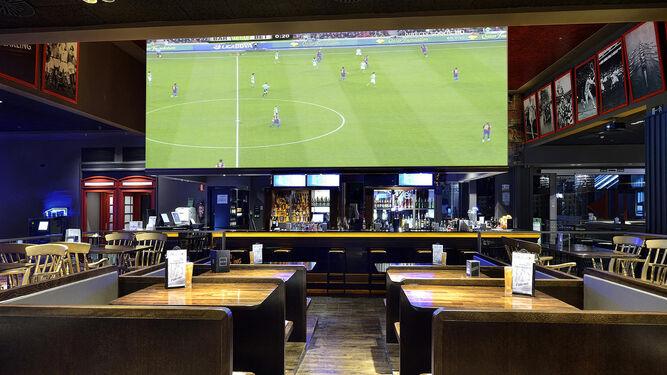 El 'sport bar' en uno de los Pause&Play que Vid tiene repartidos por España.