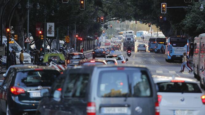 Tráfico intenso en la Alamaneda