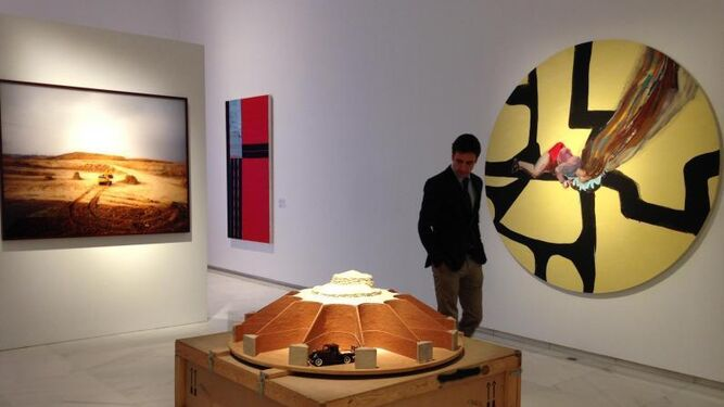 El lienzo de Abraham Lacalle junto al de Juan Navarro Baldeweg.