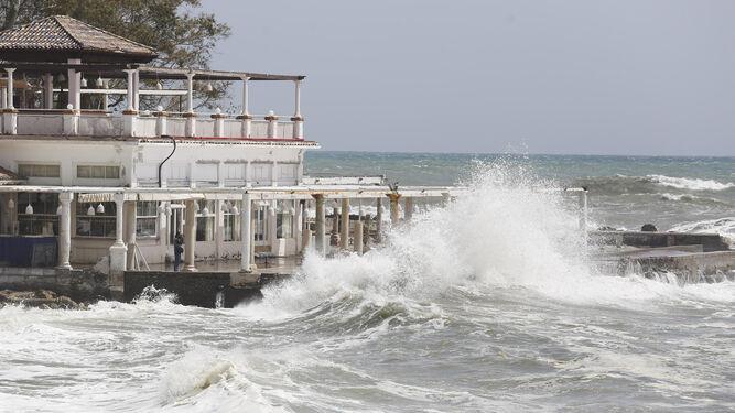 El temporal en los Baños del Carmen.