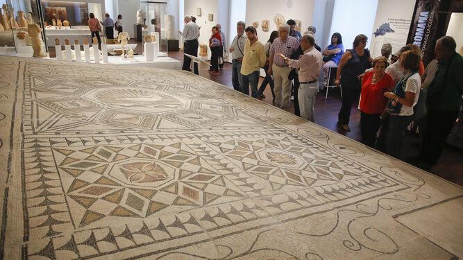 El mosaico del 'Nacimiento de Venus', hallado en Cártama y expuesto en el Museo de Málaga.