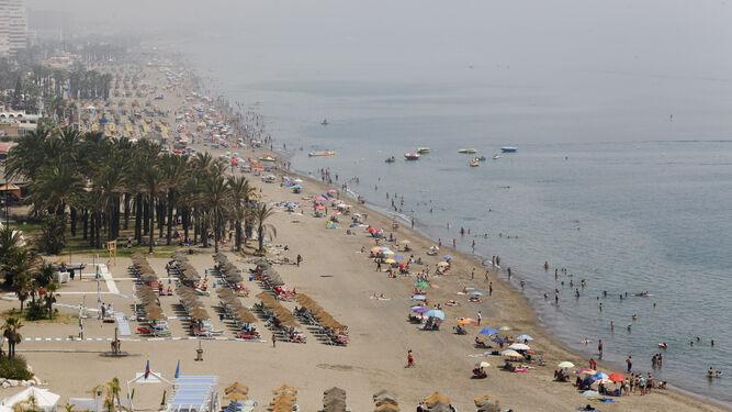 La costa del sol sigue el idilio con el turista extranjero y quiere recuperar al nacional - Fotografia aerea malaga ...