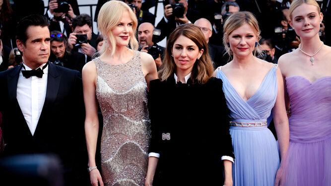 Sofia Coppola, junto a su reparto, en la presentación del filme en Cannes.
