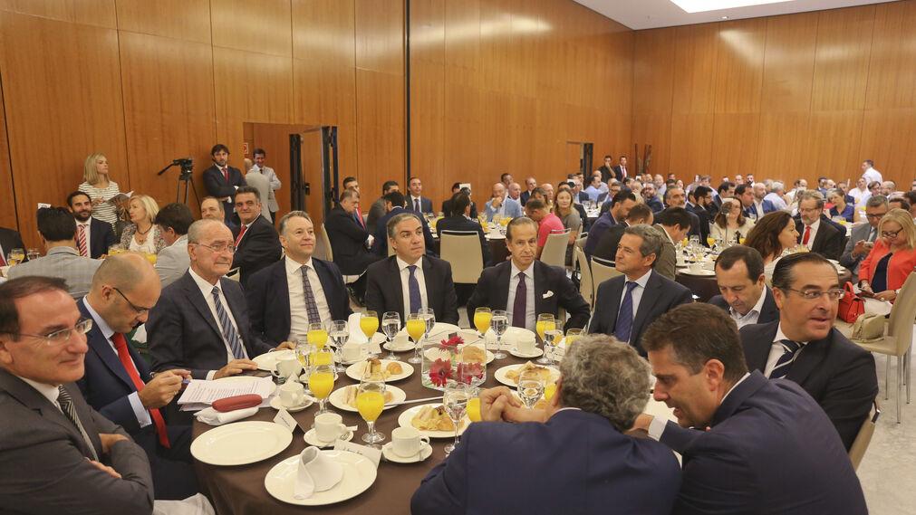 González de Lara, Cortés, De la Torre, Joly, Bendodo, Pérez Tabernero, Gómez Guillamón, Ruiz Espejo, Briones, Conde y Narváez.