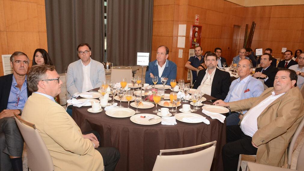 Jorge Serra, Violeta Aragón, Arturo Bernal, Juan del Río, Antonio Barrabino, Daniel Delgado, Silvestre Chacón y Ángel García.