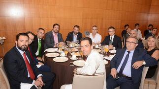 Ángel Vereda, David, Salvador Mora, Juan Avilés, José Manuel Paz, Jesús Contreras, Francisco Cabrera, José Antonio García, Maribel González, Francisco Argüelles y Enrique Urdiales.