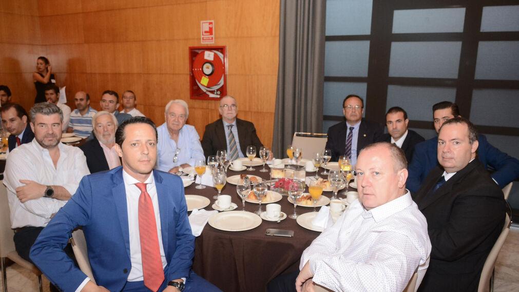Jordi Campos, Enrique López, José María Bustamante, Luis López, Enrique Gil, Juan Fernández, Jorge Rodríguez, Oscar Rodríguez, Fernando Cabello y Faustino Sevilla.