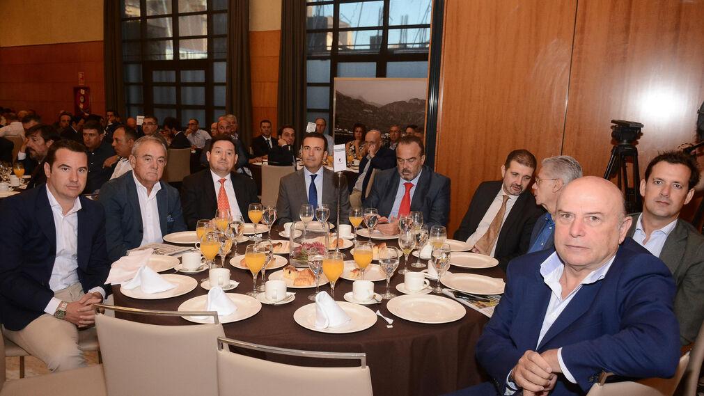 Borja Codes, Antolín Martín, Emilio López, Juan José Díaz, Juan Antonio Hernani, Victor Muñoz, Carlos Pérez, Mariano Barroso y Leandro Martínez.