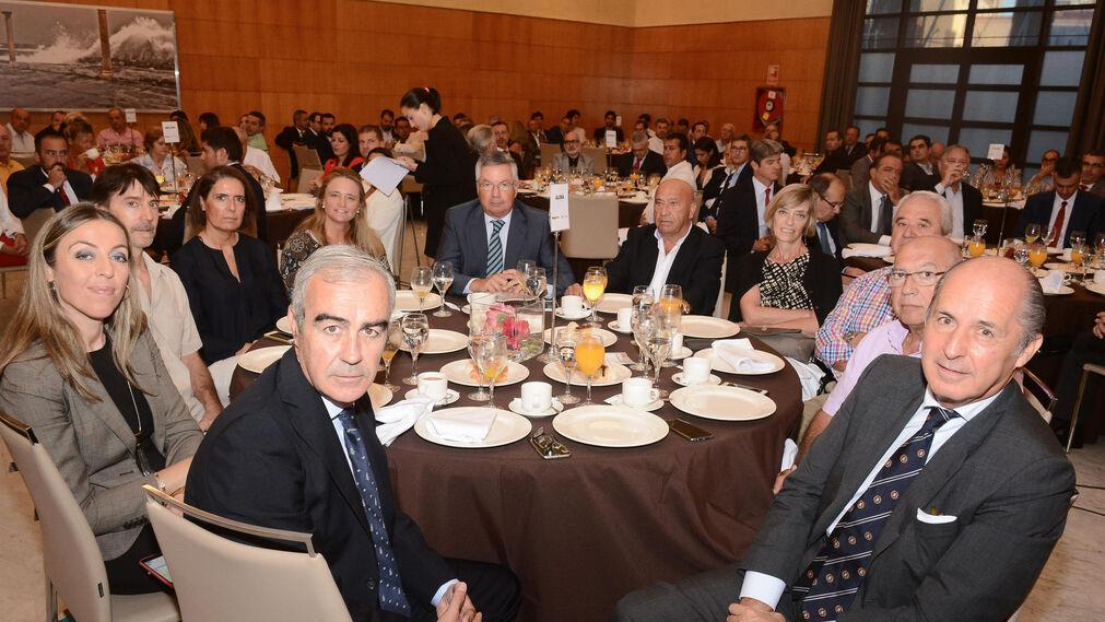 Rafael Martínez, Marina Cañete, Alfredo Parra, Remedios Bocanegra, Pilar Rodríguez, Santiago Arcos, Joaquín Soto, Conchi, Antonio Cano y Juan Peláez.