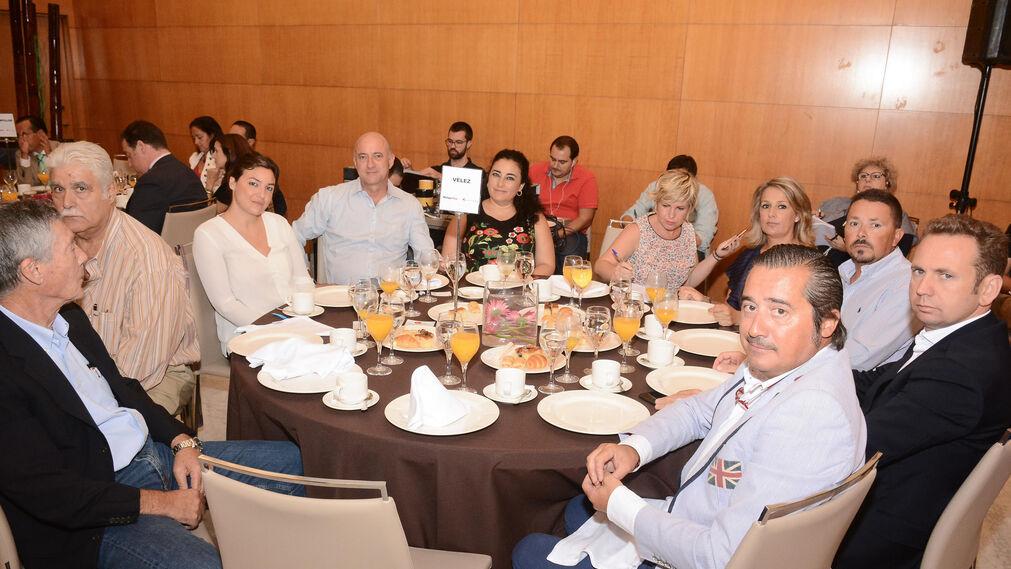 Salvador Rojas, Ángel Pérez, Marta Tafur, Ángel Jurado, María del Mar González, Esperanza Codina, Yolanda Hurtado, Alberto Salas, Juan Carlos Narbona e Ignacio Iturbe.