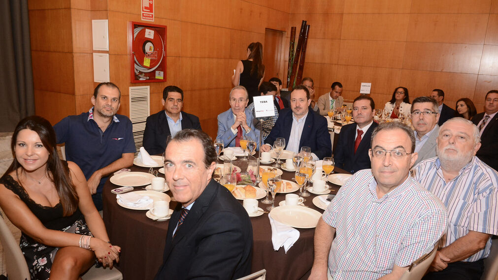 Cristina Fernández, Alberto García, García Imbroda, Luis Pérez, Manuel Villegas, Francisco Mallorquín, Germán Pascual, Carlos Martín, Juan Alonso y Jesús Gea.