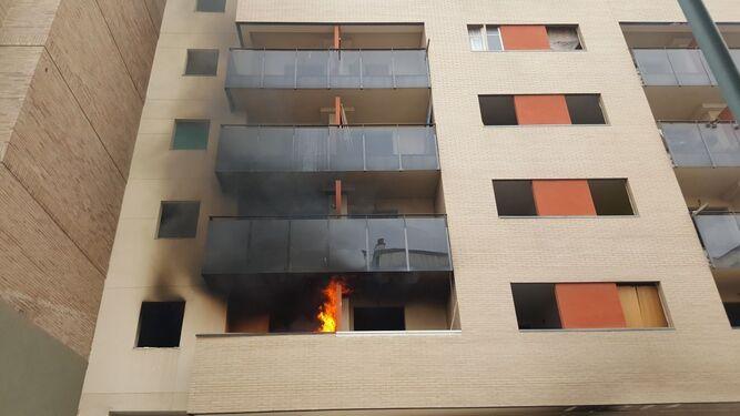 Incendio en una vivienda de un edificio con okupas de Málaga capital.