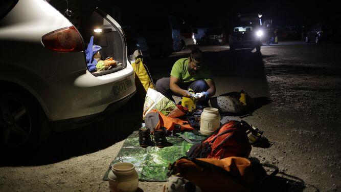 Rescatan a un espeleólogo accidentado en una cueva de Parauta