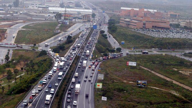 El pta aplaude las soluciones baratas para los atascos y - Oficina de trafico en malaga ...