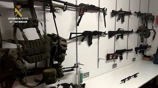 La imagen del arsenal que fue publicada horas después de iniciarse la operación.
