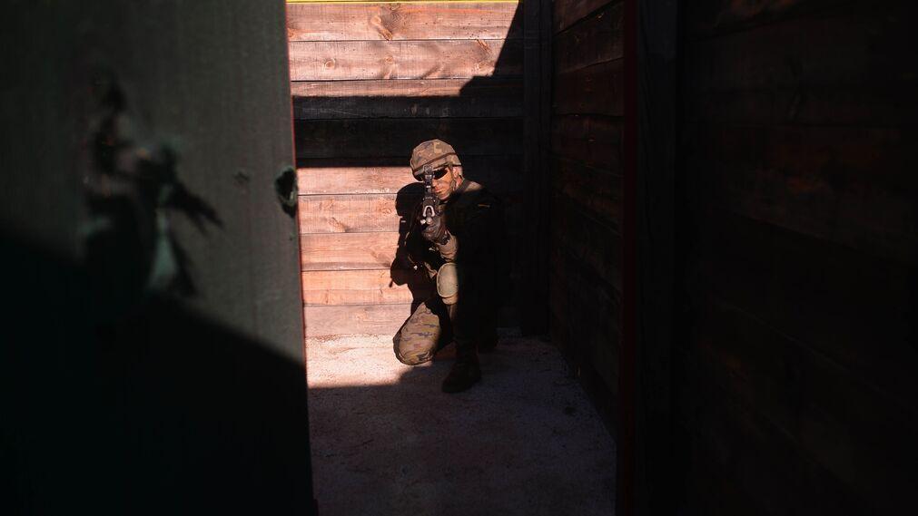 Maniobras del Ejército con destino a Letonia en Cerro Muriano