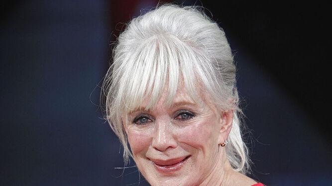 Linda Evans, la señora Carrington, cumple 75